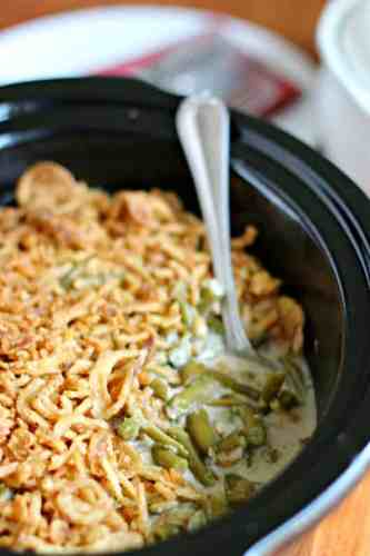 25 Holiday Slow Cooker Recipes- The Magical Slow Cooker