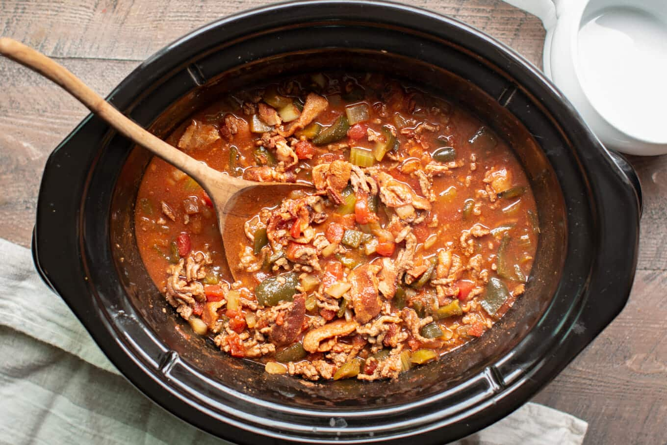 Slow Cooker Low Carb Beef and Bacon Chili