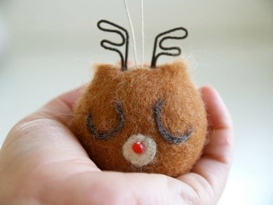 Needle Felted Reindeer Oranment : www.theMagicOnions.com/shop/