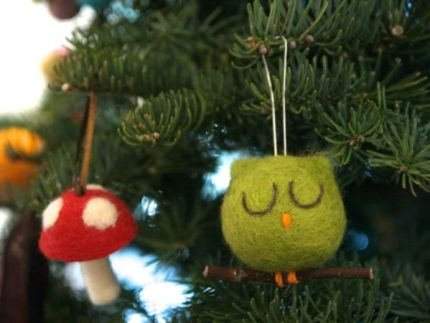 Needle Felted Owl Ornament : www.theMagicOnions.com