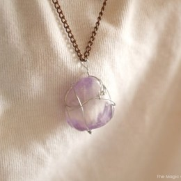 DIY Wire Wrapped Stone Necklaces : Tutorial