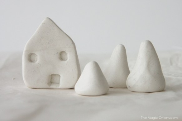 DIY Min Clay House : www.theMagicOnions.com