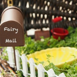 phto of a fairy mailbox