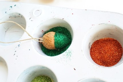 DIY Glittery Acorn Christmas Ornament Tutorial :: www.theMagicOnions.com