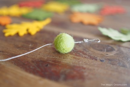 DIY Felt Leaf Ornaments for Thanksgiving Tutorial : www.theMagicOnions.com