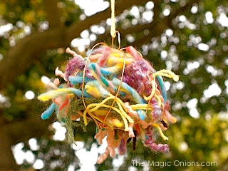 Yarn Scraps for Spring Birds Nests Craft :: www.theMagicOnions.com