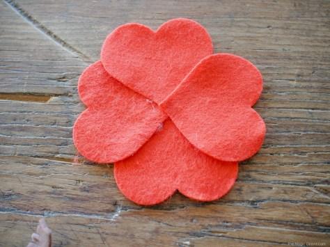 Valentine's Day Flowers :: Felt Tutorial :: www.theMagicOnions.com