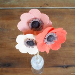 Felt Flowers ::  DIY Tutorial
