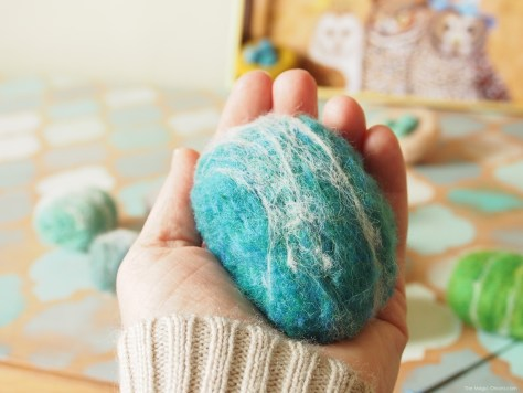 Tutorial How To Make Wet Felted Rocks with www.theMagicOnions.com