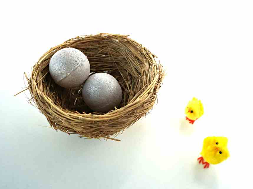 LUSH inspired Glitter Egg Bath Bomb Melts - how to make your own  DIY by The Makeup Dummy