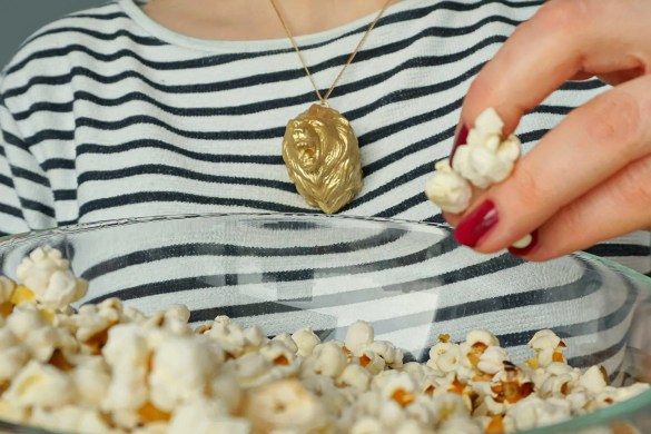 How To Game of Thrones DIY Animal Necklace - easy tutorial by The Makeup Dummy