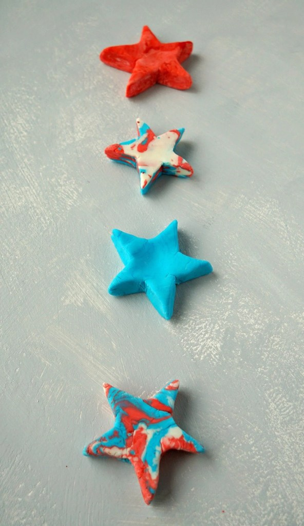 Great 4th of July party favor idea! How To make your own DIY Soap Play Dough Bars. Tutorial by The Makeup Dummy