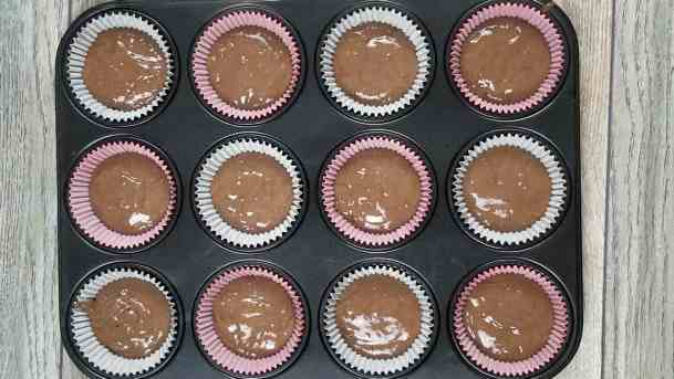 Oreo Buttercream Cupcakes Recipe and Video Tutorial