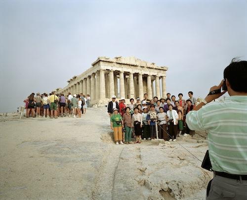Martin Parr, Griechenland, Athen, Die Akropolis, 1991, aus der Serie Small World, © Martin Parr / Magnum Photos
