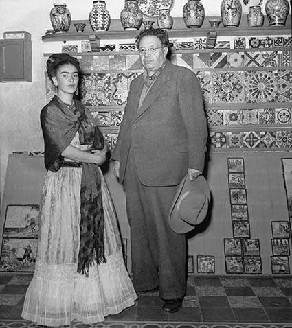 "Frida Kahlo e Diego Rivera © Eva Alejandra Matiz and ""The Leo Matiz Foundation"""