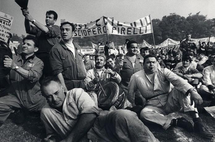 Manifestazione operaia all'Arena, Milano 1969 © Toni Nicolini/ Archivio CRAF