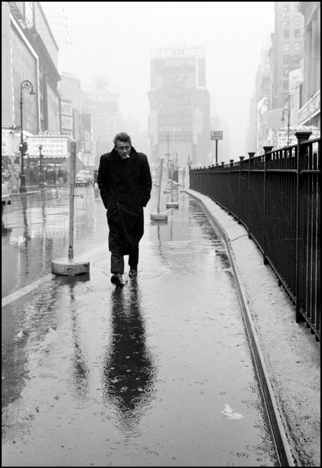 USA. New York City. 1955. James DEAN haunted Times Square© Dennis Stock/Magnum Photos