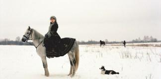 Anastasia Khoroshilova Russkie 47, 2007 stampa a colori 100 x 125 cm © l'artista