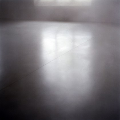 Nicole Ahland, exspectare #13, 2010, C-Print, 100 x 100 cm, Edition:  5 + 2 a.p., Courtesy: The artist and Wichtendahl Galerie