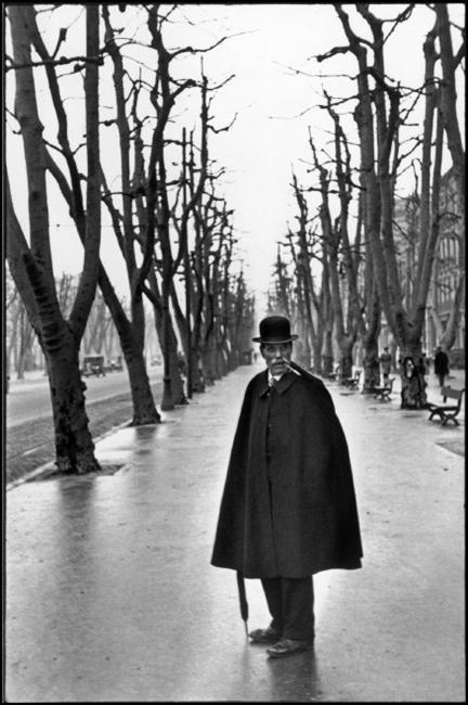 Viale del Prado, Marsiglia, Francia 1932 © Henri Cartier-Bresson / Magnum Photos