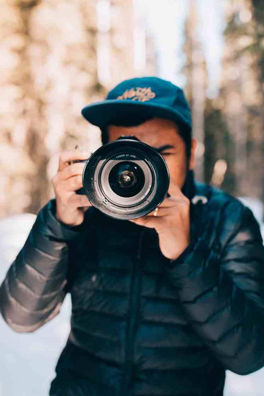 Canon 5D Mark IV Camera - What To Wear Alaska Road Trip - TheMandagies.com