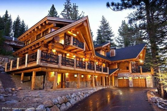 tri level log home