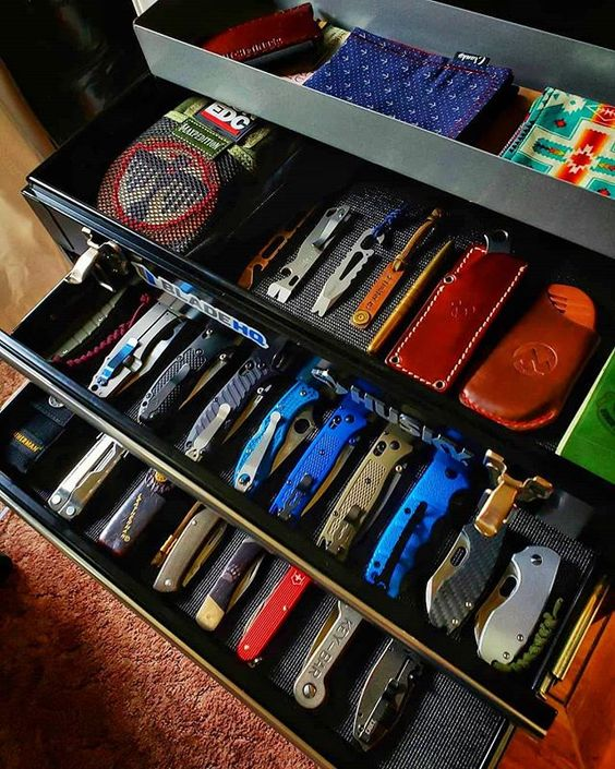 knife collection in toolbox