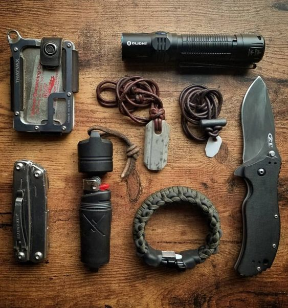 edc with knife