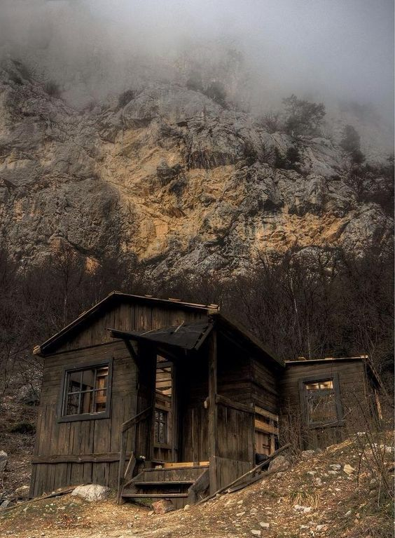 Misty Mountain Cabin