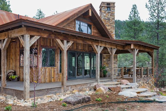Rustic Riverside cabin