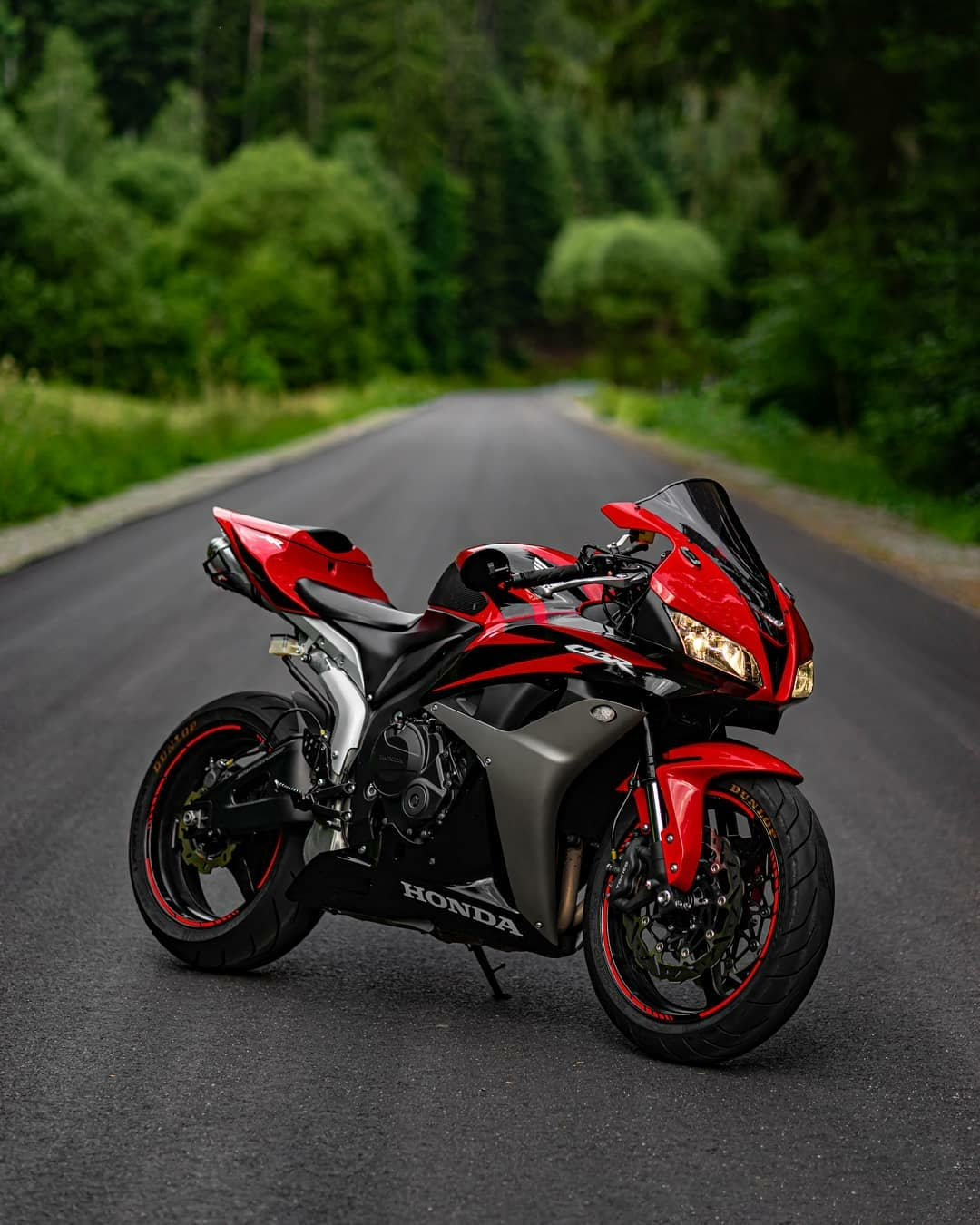 black and red superbike