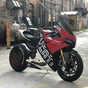 the manly life - Ducati Panigale 1299
