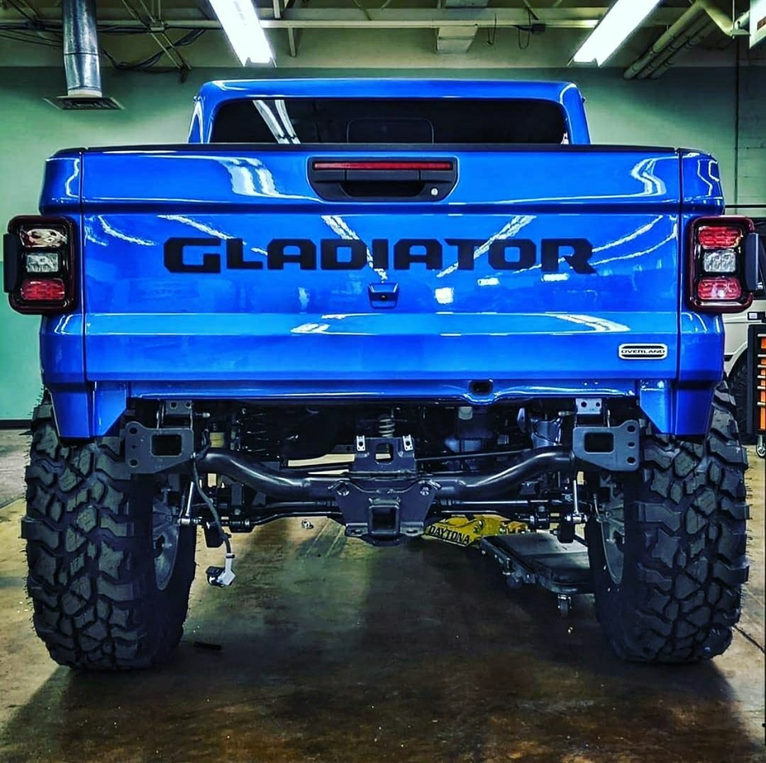 blue gladiator truck