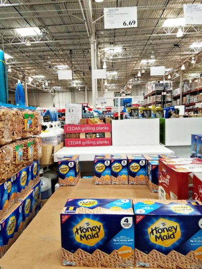Are you a Costco shopper? The key to buying in bulk is knowing what's really a good deal, and what's not. Here are the best deals at Costco...and what to buy elsewhere.