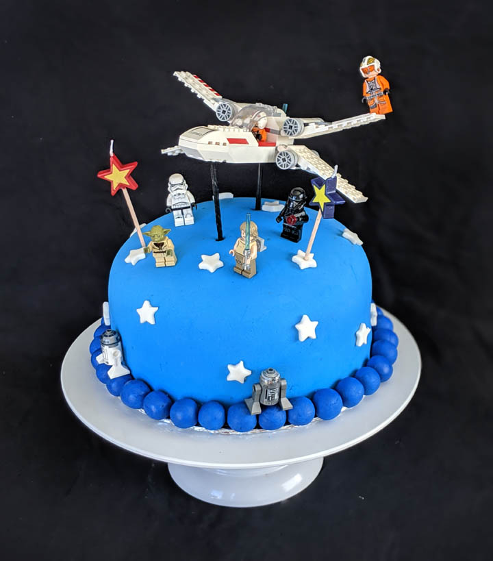 Brilliant How To Throw A Lego Star Wars Birthday Party A Real Moms Guide Funny Birthday Cards Online Eattedamsfinfo