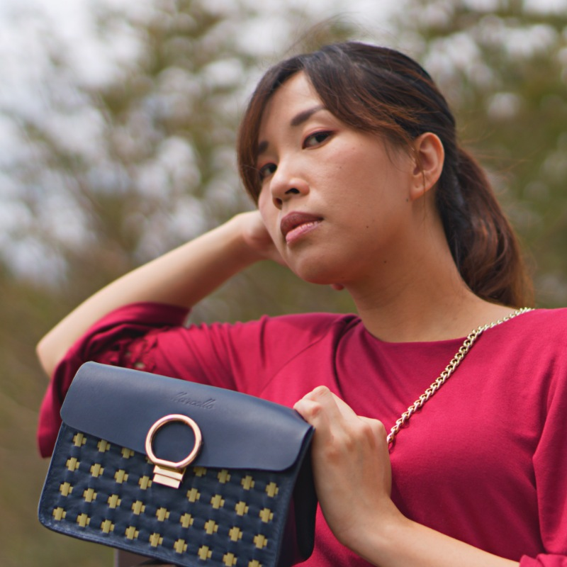 mini purse model