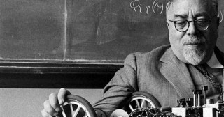 """Cybernetics Pioneer Norbert Wiener on the Malady of """"Content"""" and How to Save Creative Culture from the Syphoning of Substance"""