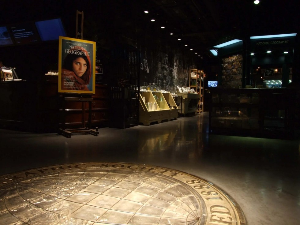 National Geographic Store Regent Street London   A Great Brand Experience