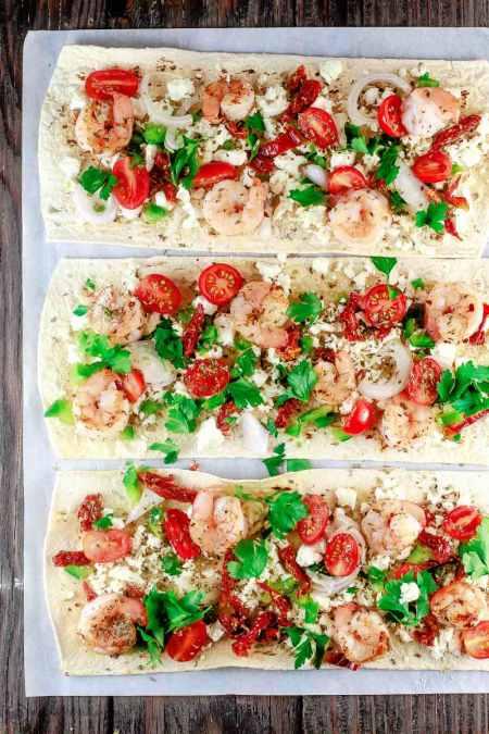 Mediterranean Shrimp Flatbread Pizza