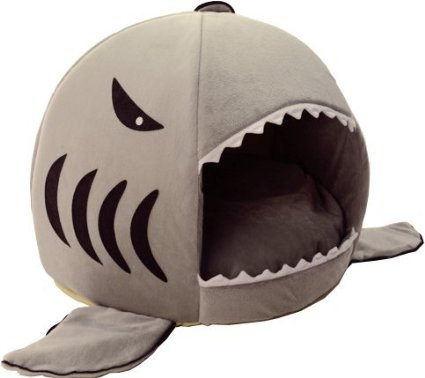 This adorable shark cat bed comes with a removable cushion for easy washing. | www.themeowplace.com