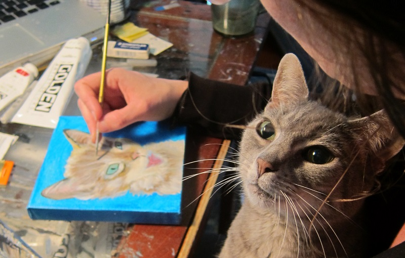 Custom pet portraits are a great way to show your kitty how much you love them. Artist Diana Hartman painted Misha one of her own, so we invited her to stop by and talk with us about her artwork and how she came to do commissioned work for pet retailer giant Chewy.