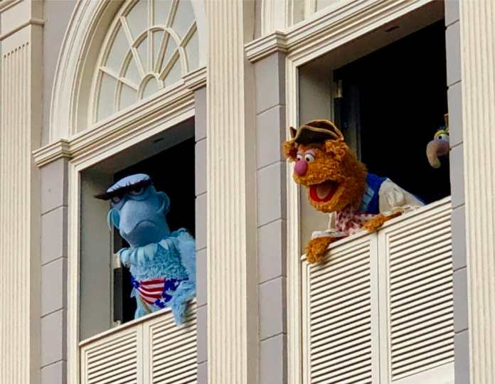 Muppets in Frontierland