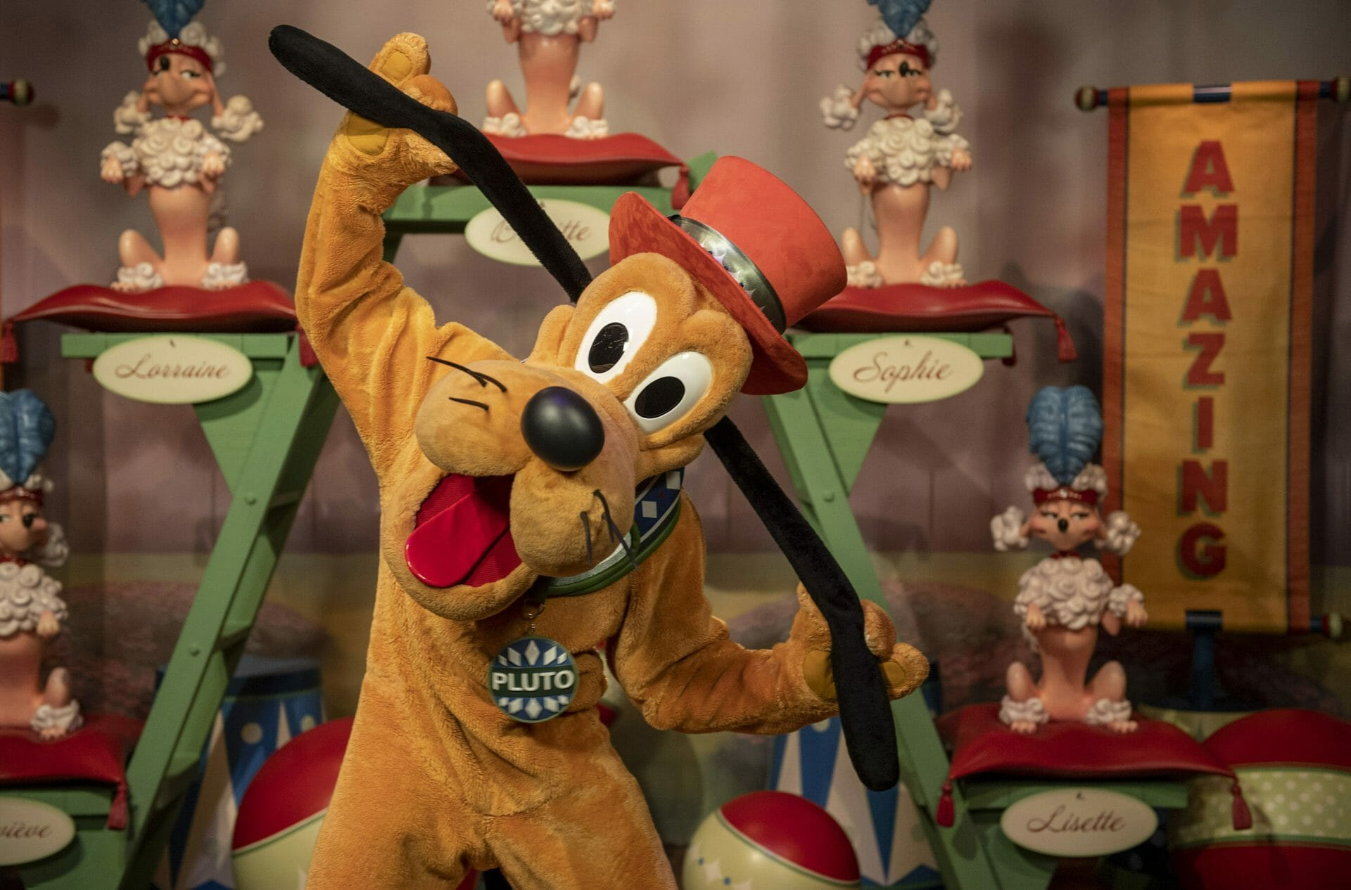 Pluto in Pete's Silly Sideshow