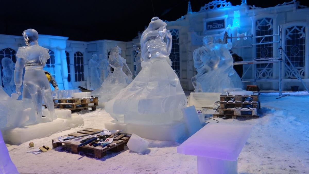 Theme Park Review Disneys Frozen In Ice Sculptures Teaser