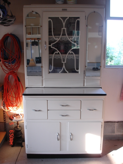 Excellent Condition White With Glass Door And Two Mirrors On Top 4 Drawers 2 Doors Bottom Pull Out Shelf Keystone Cabinet Co