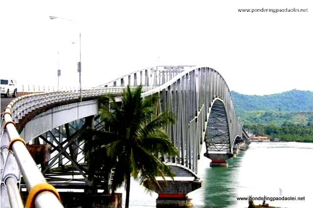The Sexy San Juanico Bridge