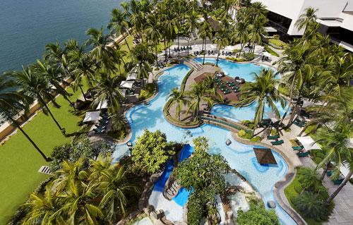 Sofitel Philippine Plaza Manila – Luxury at Its Best