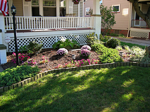 idea simple garden landscaping Surprising And Cool Idea For Small Front Yard Landscaping