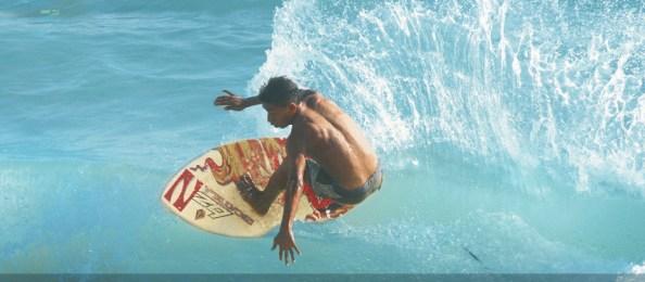 Ixtapa surf; Photo courtesy of www.triangulodelsol.travel/