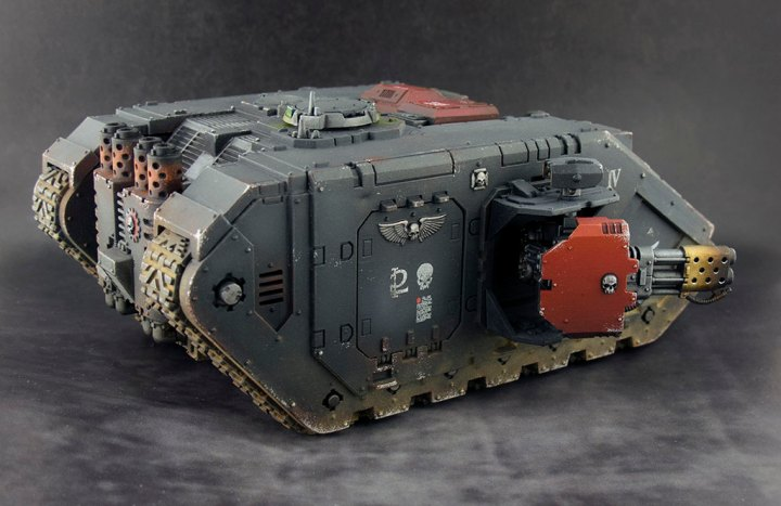 Blood-Angels-Land-Raider-Redeemer-04